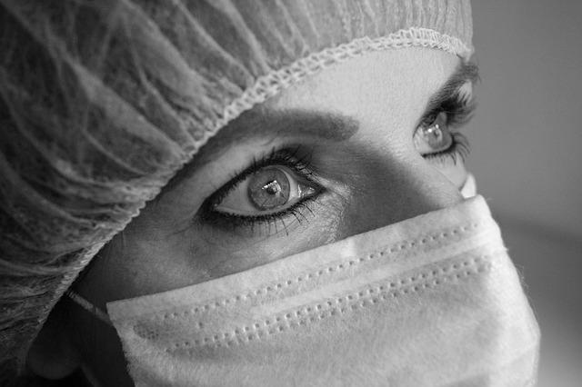 Intervento dermatologici con finalità terapeutica e danni da omessa informazione al paziente