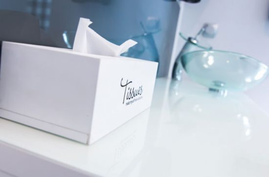 Il produttore è responsabile se il fazzolettino di carta contiene nichel e non informa adeguatamente il consumatore